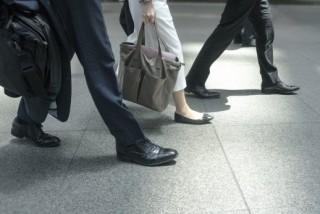 面接時は鞄やベルトに注意